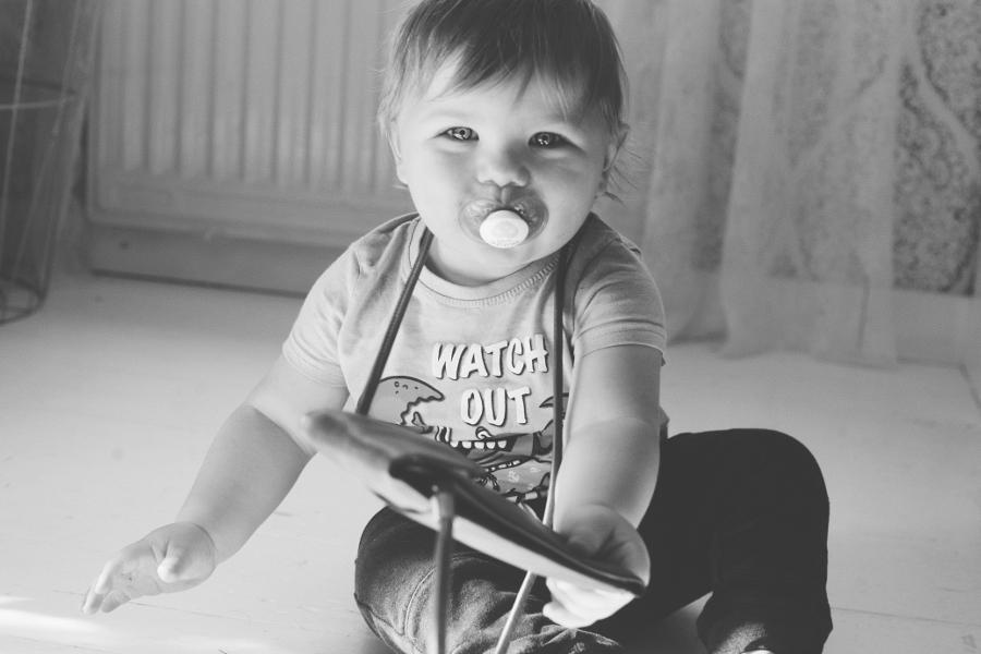 bebis-pojk-baby-foto-fotograf-photo-photographer-blog-blogg-fotoblogg-ulricehamn-gällstad-borås